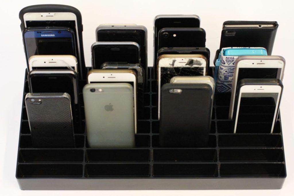 mobilramme fyldt med telefoner
